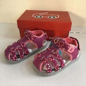 See Kai Run girls pink water shoes sandals size 9